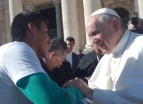 Esperanzador encuentro de la Comunidad de Paz de San José de Apartado, con el Papa Francisco hoy en Ciudad del Vaticano, Roma.